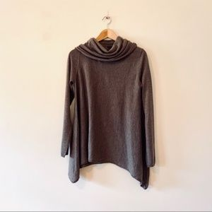 Alice + Olivia base brown cowl neck sweater small